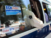 Econet subsidizes kombi fares for EcoCash users